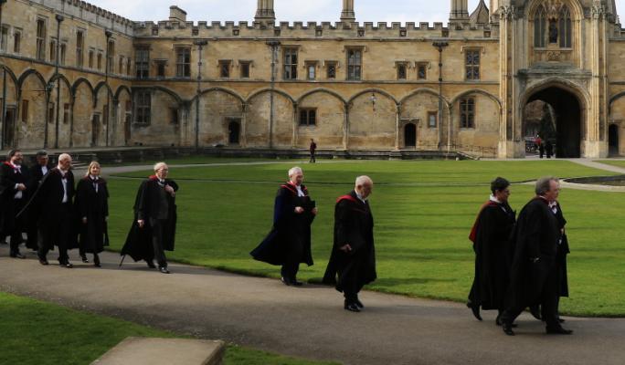 The procession through Tom Quad