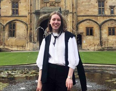 Eliza Dean photographed by Mercury fountain in Tom Quad